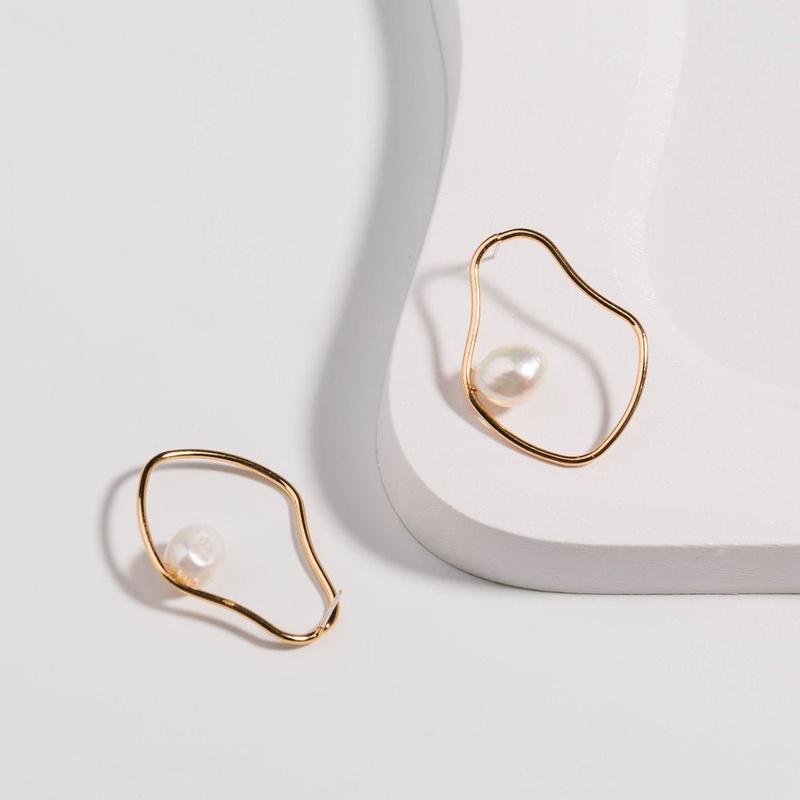 wholesale simple irregular line pearl earrings Nihaojewelry NHDB395648