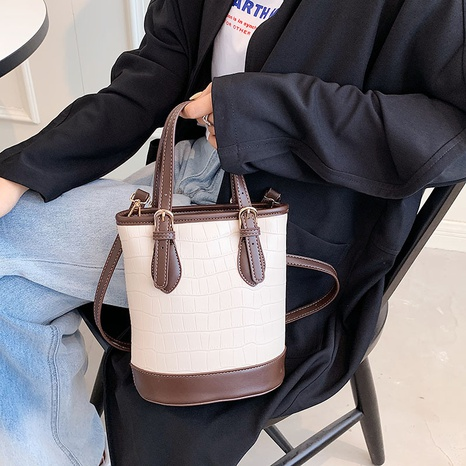 fashion crocodile pattern contrast color large-capacity one-shoulder bucket bag wholesale nihaojewelry NHGN407254's discount tags