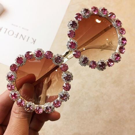 Retro Mode Metall Kristall Diamant Runde Sonnenbrille Großhandel nihaojewelry NHMSG407314's discount tags