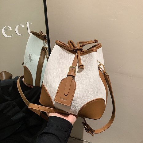 wholesale hit color diagonal shoulder bucket bag nihaojewelry  NHGN407892's discount tags