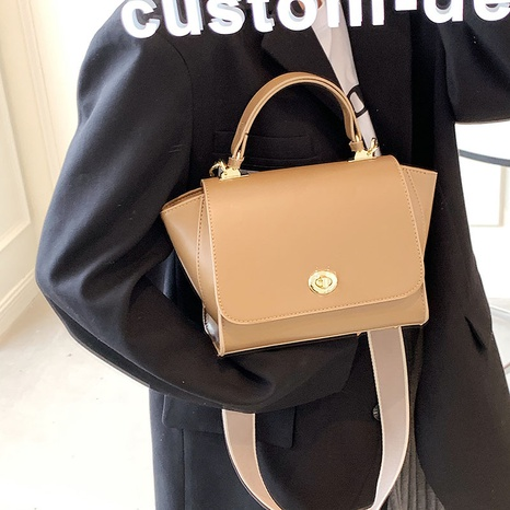 lock flip retro messenger one-shoulder handbags wholesale Nihaojewelry NHGN407918's discount tags