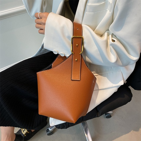 retro diagonal one-shoulder tote bucket bag wholesale Nihaojewelry NHGN407944's discount tags