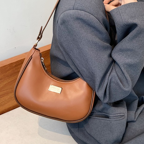 wholesale retro hit color one-shoulder messenger underarm bag nihaojewelry  NHLH407959's discount tags