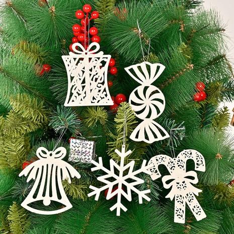 Großhandel Schneeflocken Zuckerstange Glocke Weihnachtsbaum Anhänger Nihaojewelry NHHB409391's discount tags