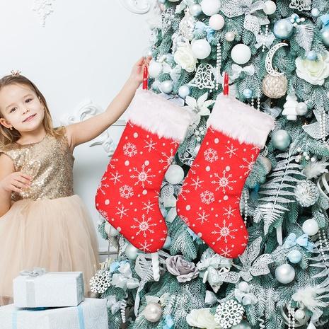 Großhandel weiße Grat rote Schneeflocke Stickerei Weihnachtsstrümpfe Nihaojewelry NHHB409426's discount tags