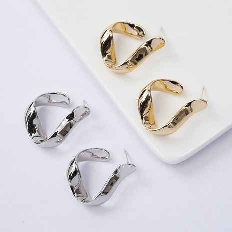 Simple Irregular C-shaped Twisted Earrings Wholesale Nihaojewelry NHQC412798's discount tags