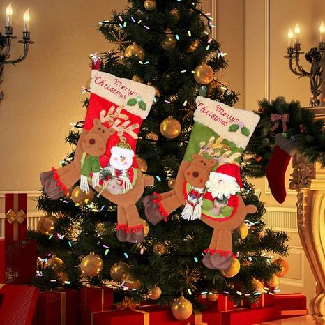 Muñeco de nieve creativo montando ciervos calcetines de Navidad al por mayor Nihaojewelry NHGAL411480's discount tags