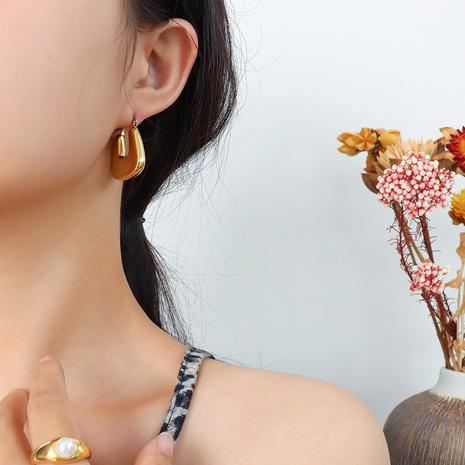 Großhandel Mode Titanstahl überzogen 18k Gold U-förmige Ohrringe Nihaojewelry NHOK396675's discount tags