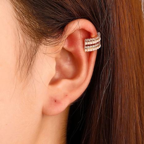 Großhandel Schmuck mehrschichtige Perle Kupfer eingelegter Zirkon Ohrclip nihaojewelry NHDP396834's discount tags
