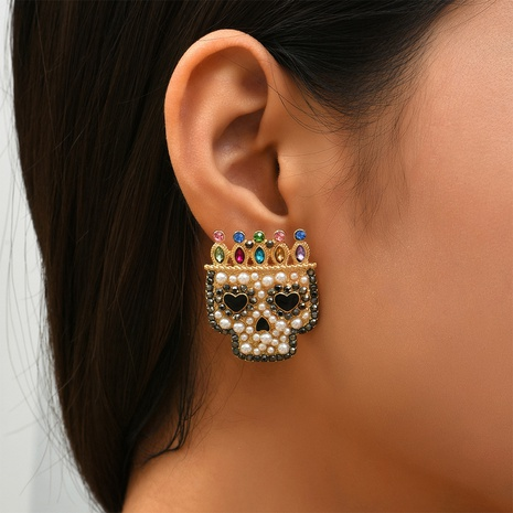 retro pearl color diamond crown skull earrings wholesale Nihaojewelry NHYAO414842's discount tags