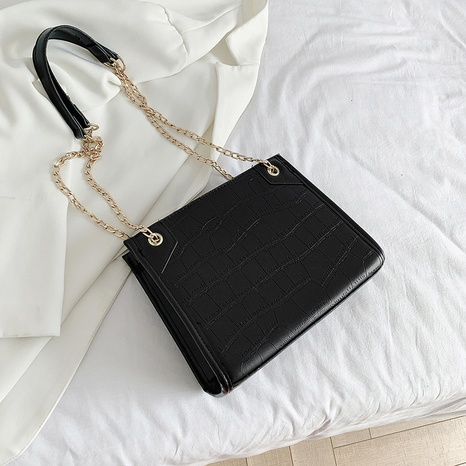 wholesale large-capacity solid color metal chain one-shoulder bag Nihaojewelry NHUA397388's discount tags