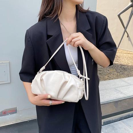 Textured folds solid color messenger shoulder dumpling bag wholesale Nihaojewelry NHUA397406's discount tags