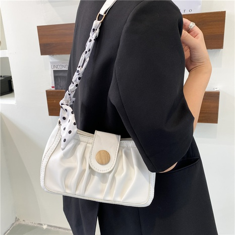 new fashion solid color folded simple chain crossbody underarm bag wholesale nihaojewelry NHUA397468's discount tags