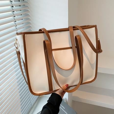 neue lässige Mode Kontrastfarbe Pendler Schulter Tote Bag Großhandel nihaojewelry NHGN397703's discount tags