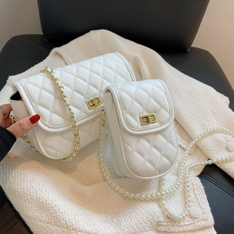 wholesale rhombus embroidery thread pearl chain shoulder messenger bag nihaojewelry  NHGN397742's discount tags