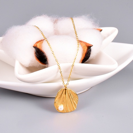 18K Korean new simple titanium shell pearl necklace wholesale nihaojewelry NHAB398584's discount tags