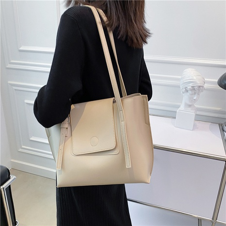 Large-capacity texture commute one-shoulder bag wholesale Nihaojewelry NHWH399681's discount tags