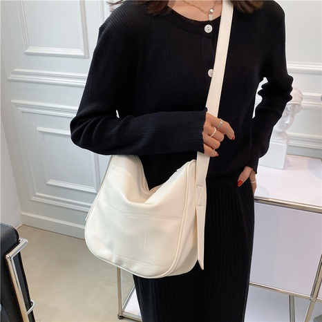 Large-capacity solid color zipper fashion shoulder bag wholesale Nihaojewelry NHWH399686's discount tags