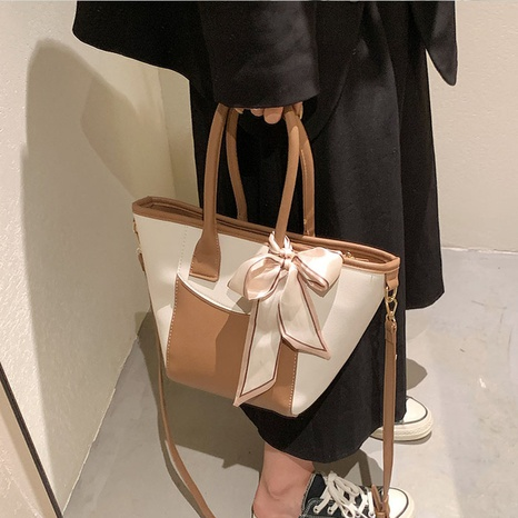 contrast color fashion one-shoulder messenger portable bucket bag wholesale Nihaojewelry NHLH399714's discount tags