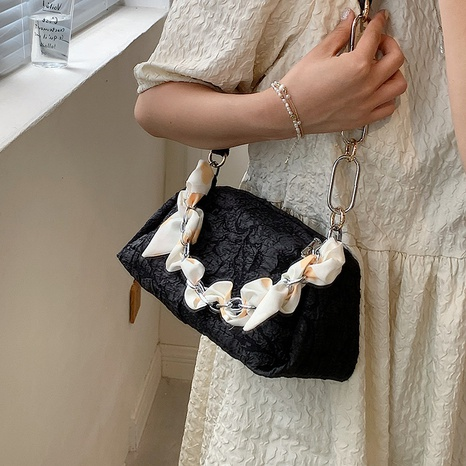 chain splicing folds textured fashion one-shoulder underarm bag wholesale Nihaojewelry NHLH399735's discount tags