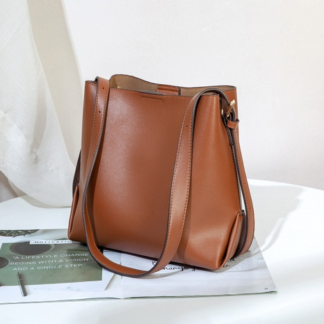 retro coffee color large capacity messenger bag wholesale Nihaojewelry NHASB422895's discount tags