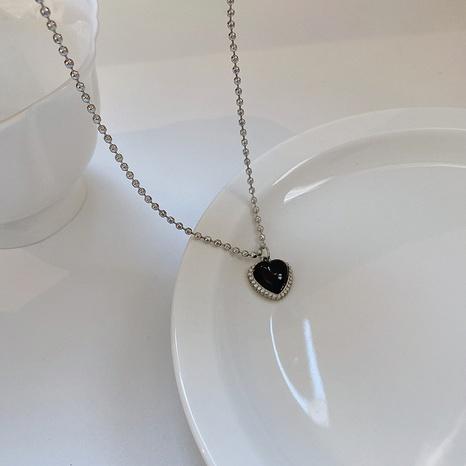Retro schwarzes Herz Titanstahl eingelegte Strasshalskette Großhandel nihaojewelry NHQYF423914's discount tags