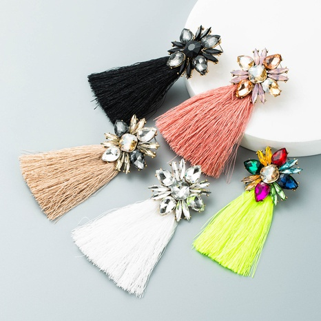 Böhmische Glasblume lange Farbe Quaste Ohrringe Großhandel Nihaojewelry NHLN424000's discount tags