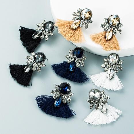 Retro Strass lange Quaste Ohrringe Großhandel Nihaojewelry NHLN424002's discount tags