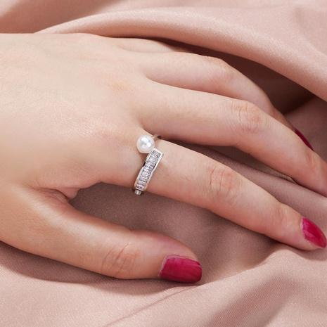anillo de cobre ajustable con incrustaciones de perlas de circón con incrustaciones cuadradas de moda al por mayor nihaojewelry NHDB424194's discount tags