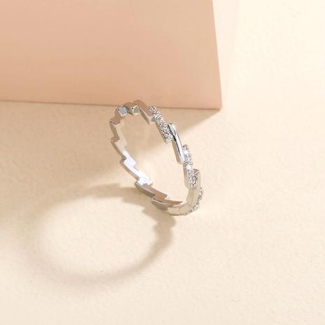 anillo de cobre de onda microincrustada de circón irregular simple al por mayor nihaojewelry NHDB424212's discount tags
