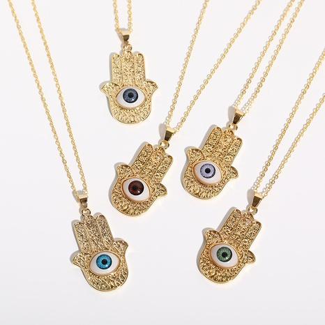 diablo ojo palma colgante cobre chapado en oro collar al por mayor nihaojewelry NHJIF424246's discount tags