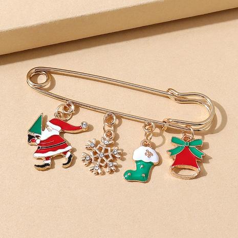 Broche de pin de Papá Noel con copo de nieve de la serie navideña al por mayor nihaojewelry NHPS424909's discount tags