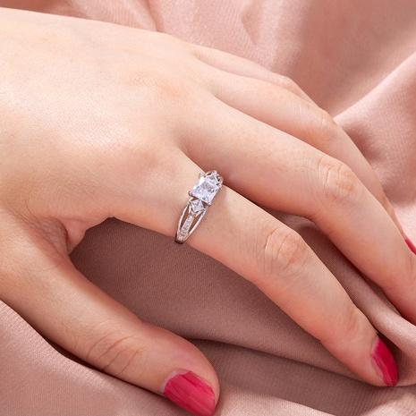 anillo de cobre de circón de piedras preciosas con incrustaciones de microincrustaciones geométricas huecas simples al por mayor nihaojewelry NHDB424715's discount tags