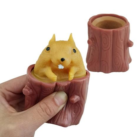 lustige knifflige Eichhörnchenschale Baumstumpf Pinch Ball Spielzeug Großhandel nihaojewelry NHSCA427602's discount tags