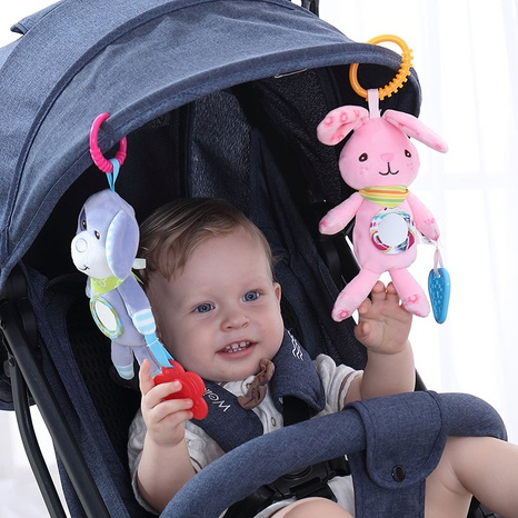 Cartoon Plüsch Stoff Rassel Baby Nachttischanhänger Großhandel Nihaojewelry NHBEI427528's discount tags