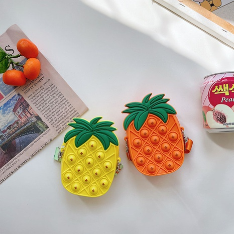 Cartoon children bubble silicone pineapple messenger bag wholesale Nihaojewelry NHTG428239's discount tags