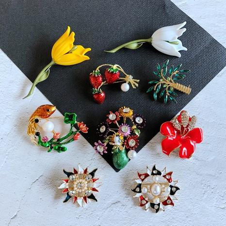 Vintage Animales Plantas Flores Serie Color Esmalte Esmalte Broche Accesorios Venta al por mayor Nihaojewelry NHOM416592's discount tags