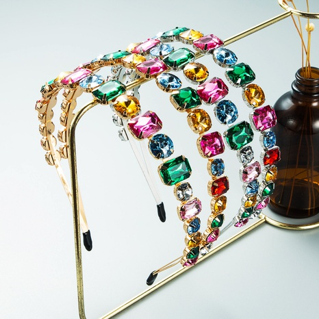 bandeau rétro en métal à double rangée de strass en gros Nihaojewelry NHLN431594's discount tags