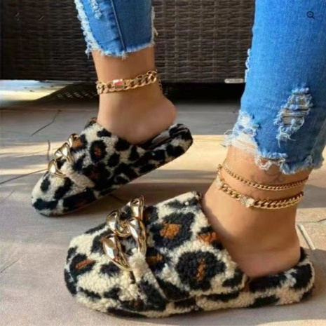 Independent station 2021 European and American new style outdoor leisure chain flat-bottomed wool slippers women's international station foreign trade large size women's shoes NHMIX435614's discount tags