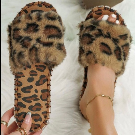 Foreign trade plus size indoor plush slippers women 2021 European and American leopard print flat bottom outer wear one-word plush slippers wholesale NHMIX435635's discount tags