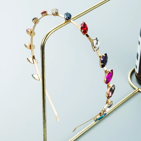 Modelegierung diamantbesetztes dünnkantiges Stirnband Großhandel Nihaojewelry NHLN418180's discount tags