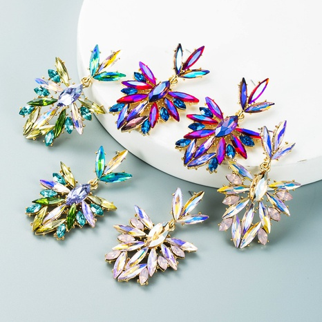 Retro-Farbe Strass Blume voller Diamant lange Ohrringe Großhandel Nihaojewelry NHLN418186's discount tags