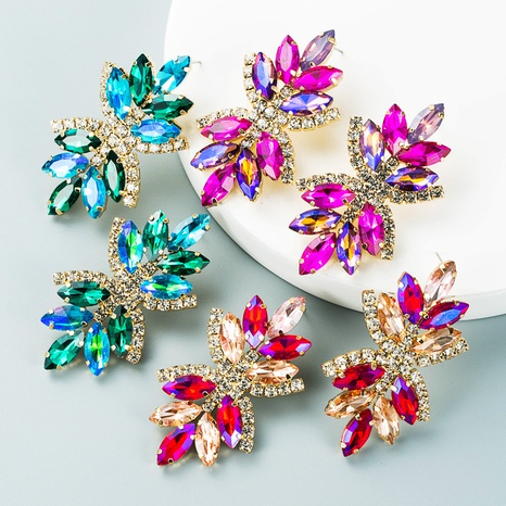 Retro-Mehrschichtlegierung diamantfarbene Strassblumenohrringe Großhandel Nihaojewelry NHLN418192's discount tags