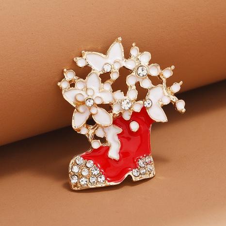 Broche de botas rojas de flor de aceite de gota tachonado de diamantes de moda navideña al por mayor Nihaojewelry NHKQ418557's discount tags