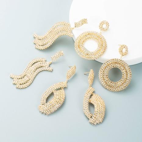 Pendientes huecos de diamantes de imitación con incrustaciones geométricas de aleación retro al por mayor Nihaojewelry NHLN418960's discount tags