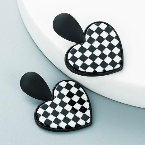 Pendientes en forma de corazón geométricos de pata de gallo de acrílico coreano al por mayor Nihaojewelry NHLN418962's discount tags