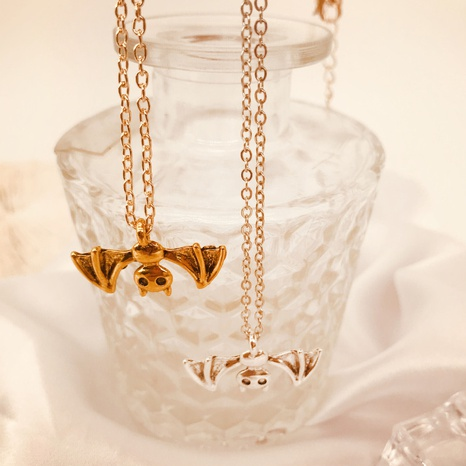 Halloween Retro Fledermaus Anhänger Kupfer Halskette Großhandel Nihaojewelry NHQC420454's discount tags