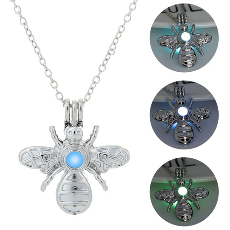 Halloween Luminous Butterfly Pendant Fashion Necklace Jewelry Wholesale Nihaojewelry NHDB420835's discount tags
