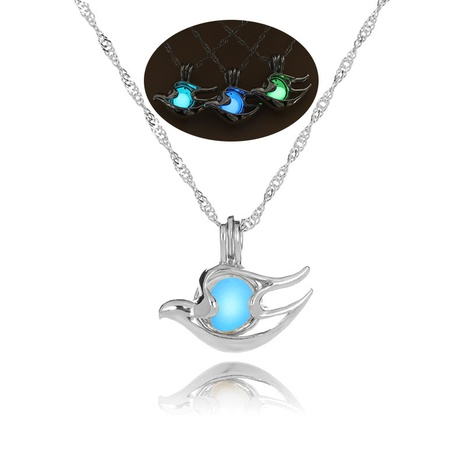 Halloween luminous conch pendant necklace jewelry wholesale Nihaojewelry NHDB420841's discount tags