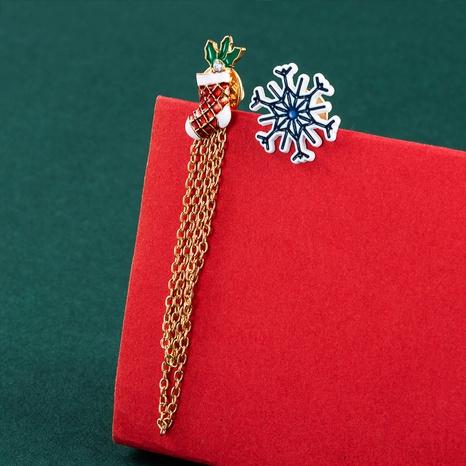 Christmas snowflake socks tassel asymmetric earrings wholesale nihaojewelry  NHLN421178's discount tags
